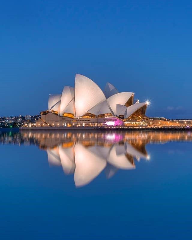 Sydney Australia on a budget. Opera House.