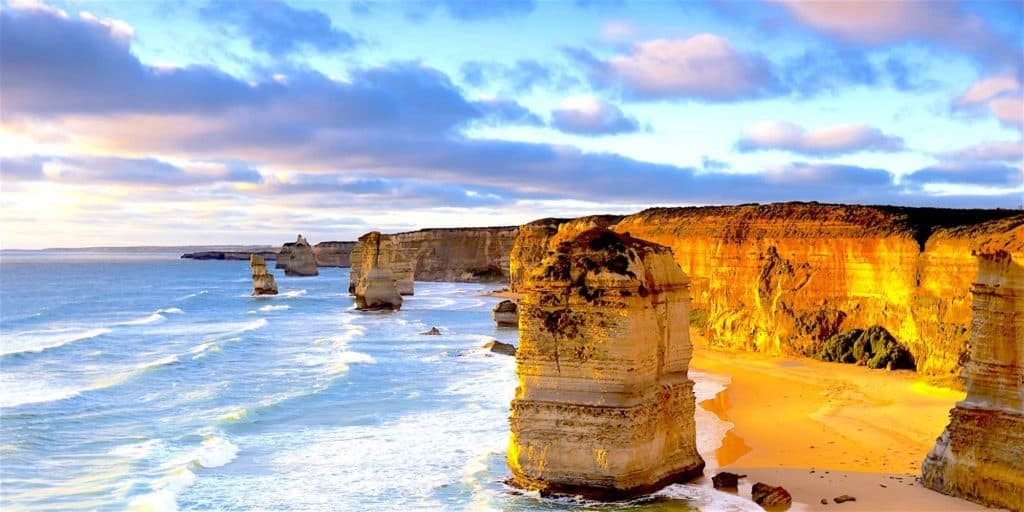 7 Life Changing Road Trips in Australia! The Great Ocean Road.