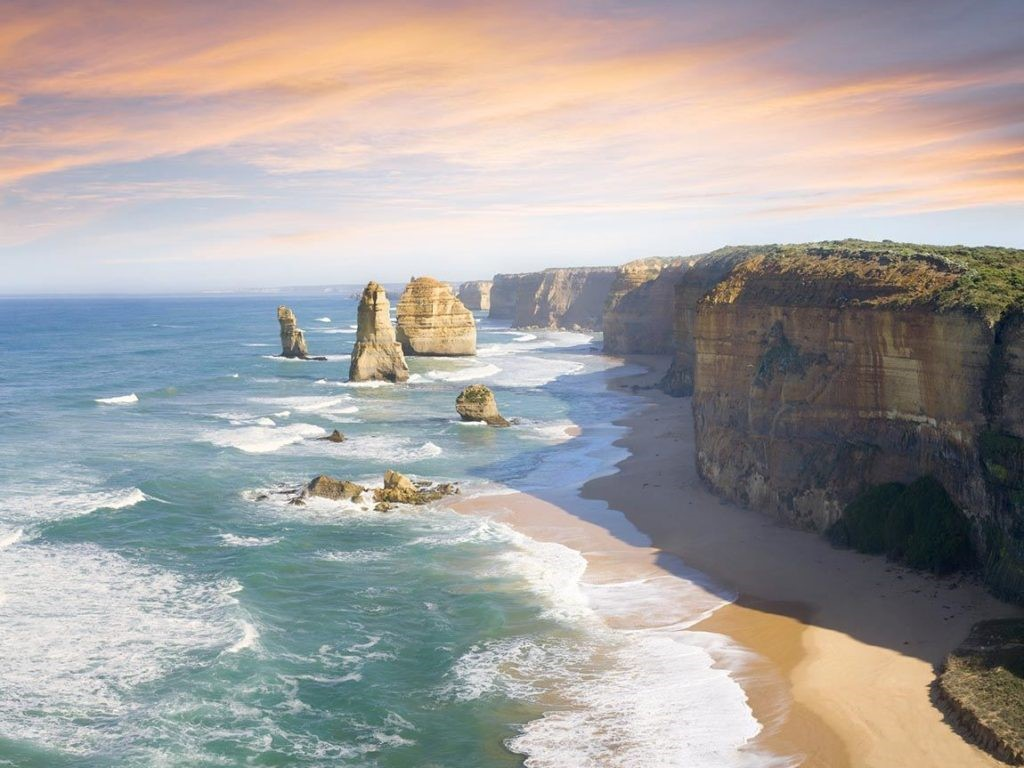7 Life Changing Road Trips in Australia! 12 Apostles